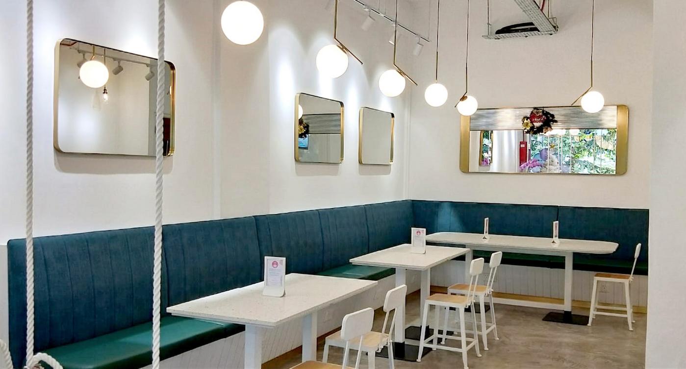 AM:PM Cafe interior