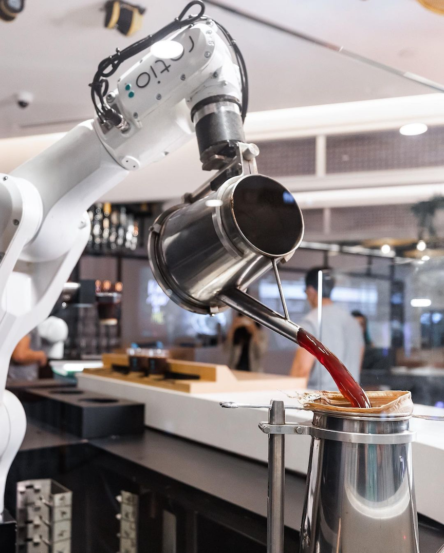 new cafes restaurants january 2021 - ratio cafe robot