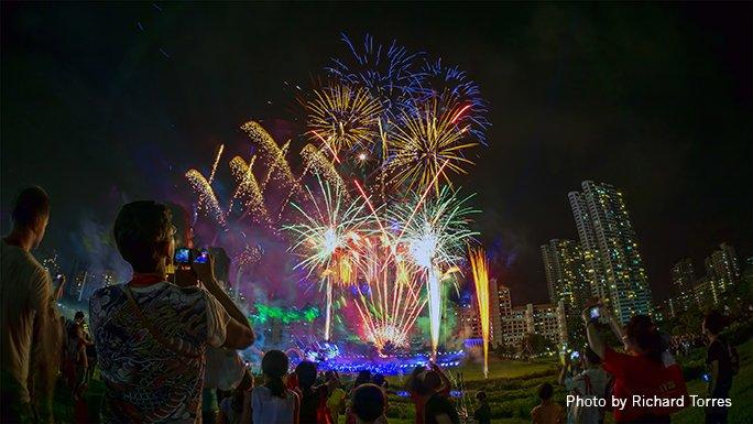 new year's eve fireworks - heartlands fireworks