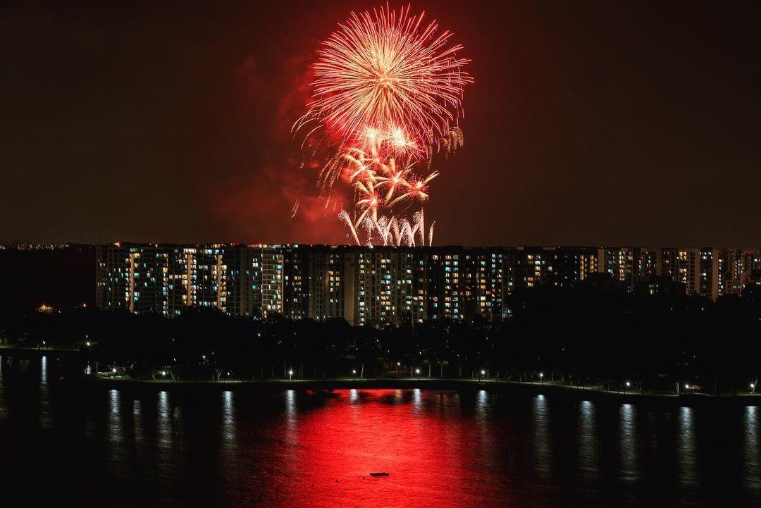 new year's eve fireworks singapore - tampines bedok reservoir fireworks