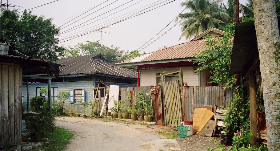 kampong lorong buangkok tour
