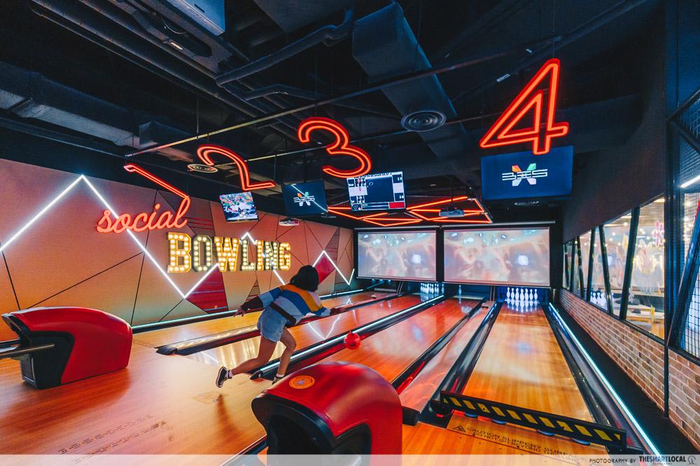 Timezone Social Bowling