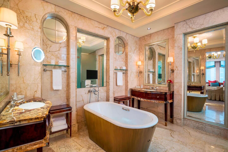 Hotel Staycation Bathtub - St. Regis Singapore