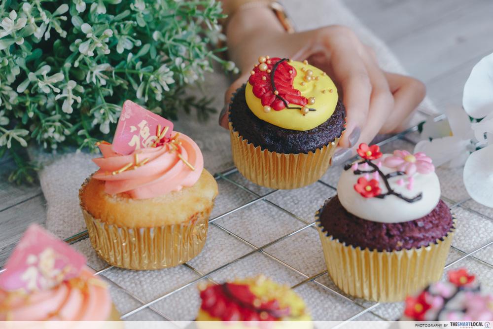 cny festive cupcakes