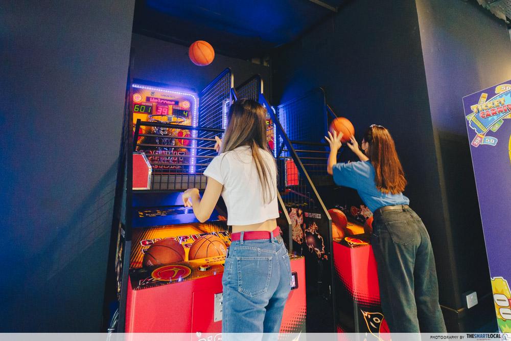 New World Carnival - basketball arcade