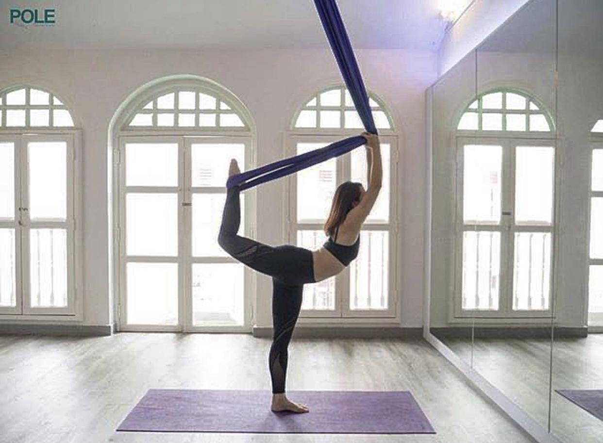 Milan Pole Dance Studio aerial yoga