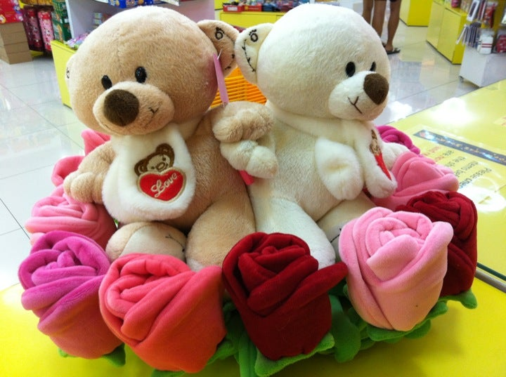 Plushie flowers from more than words