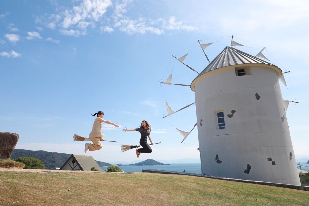 Things to do shikoku - Replicate the scene from Kikki's Delivery Service on top of Olive Hill