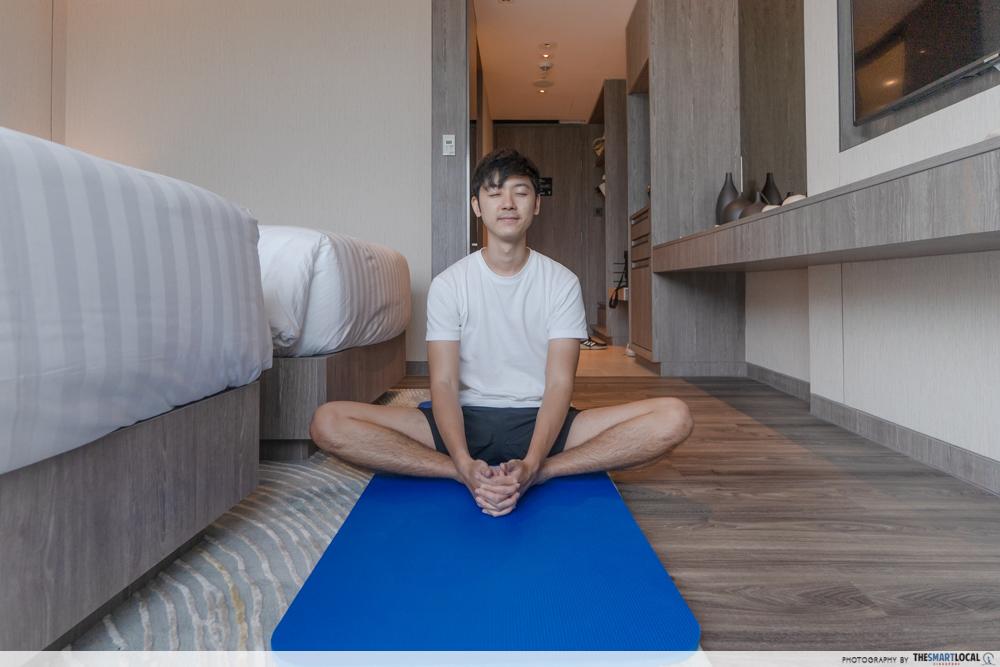Dusit Thani Laguna Singapore - yoga in hotel room