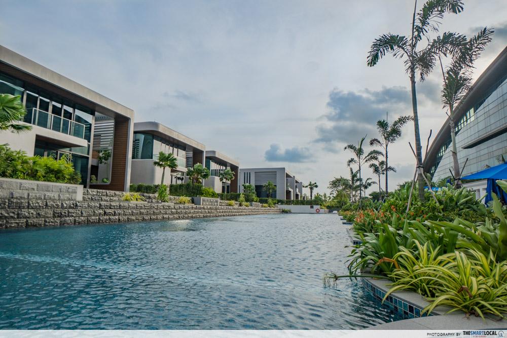 Dusit Thani Laguna Singapore - swimming pool