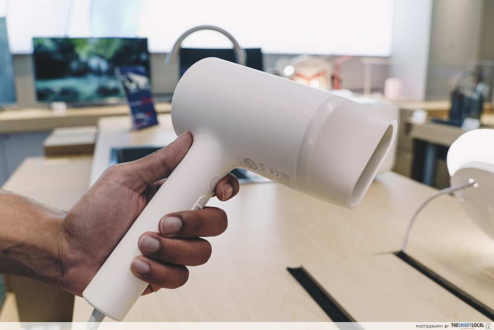 Xiaomi Store Singapore - mi ionic hair dryer that removes frizz