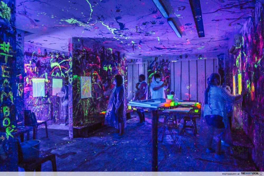 splat paint house - Art jamming in the dark