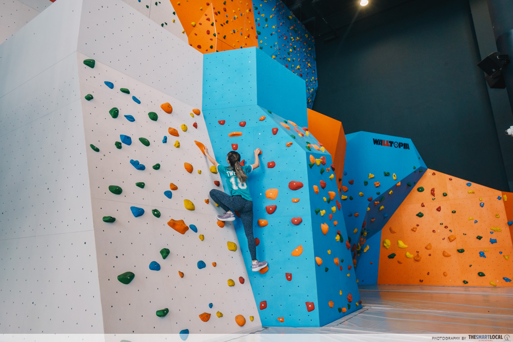 valentines day date ideas (9) - adventure hq rock climbing wall