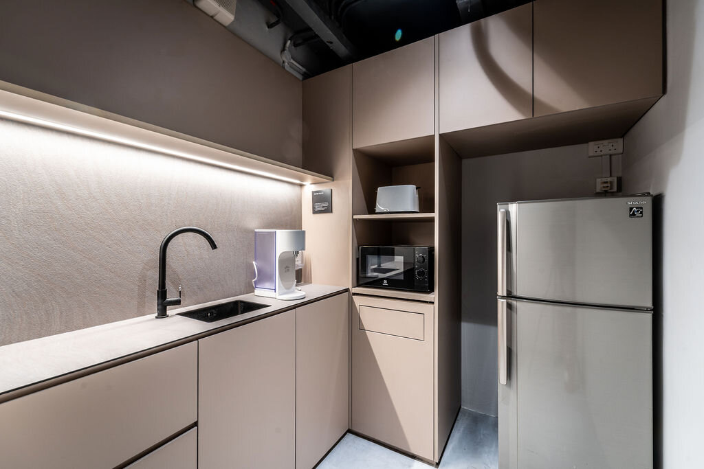 KINN Capsule Hotel - kitchen
