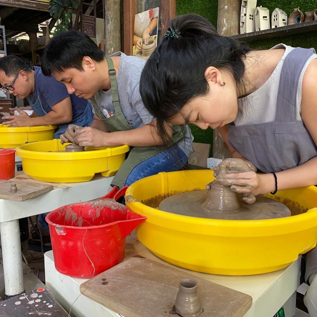 Thow Kwang Pottery Jungle and the Dragon Kiln Pottery Workshop