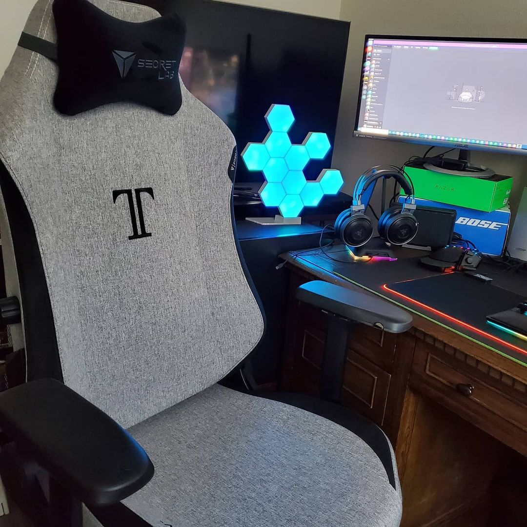 SecretLab Omega 2020 Softweave is one of the latest and most popular gaming chairs in Singapore