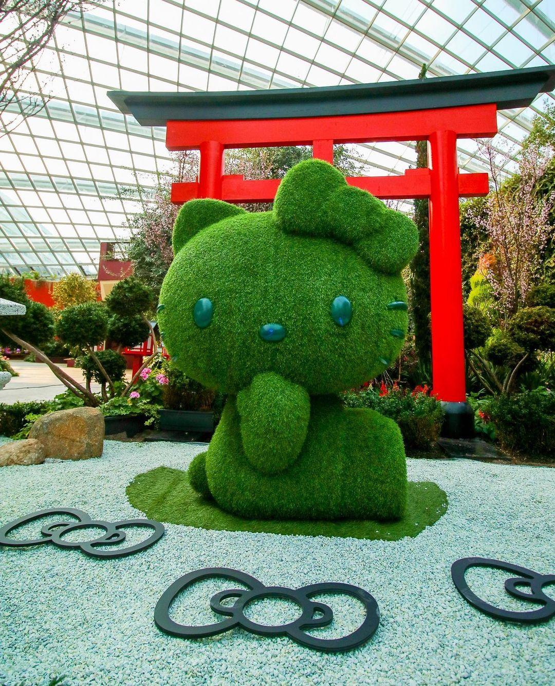 GBTB hello kitty sakura exhibit