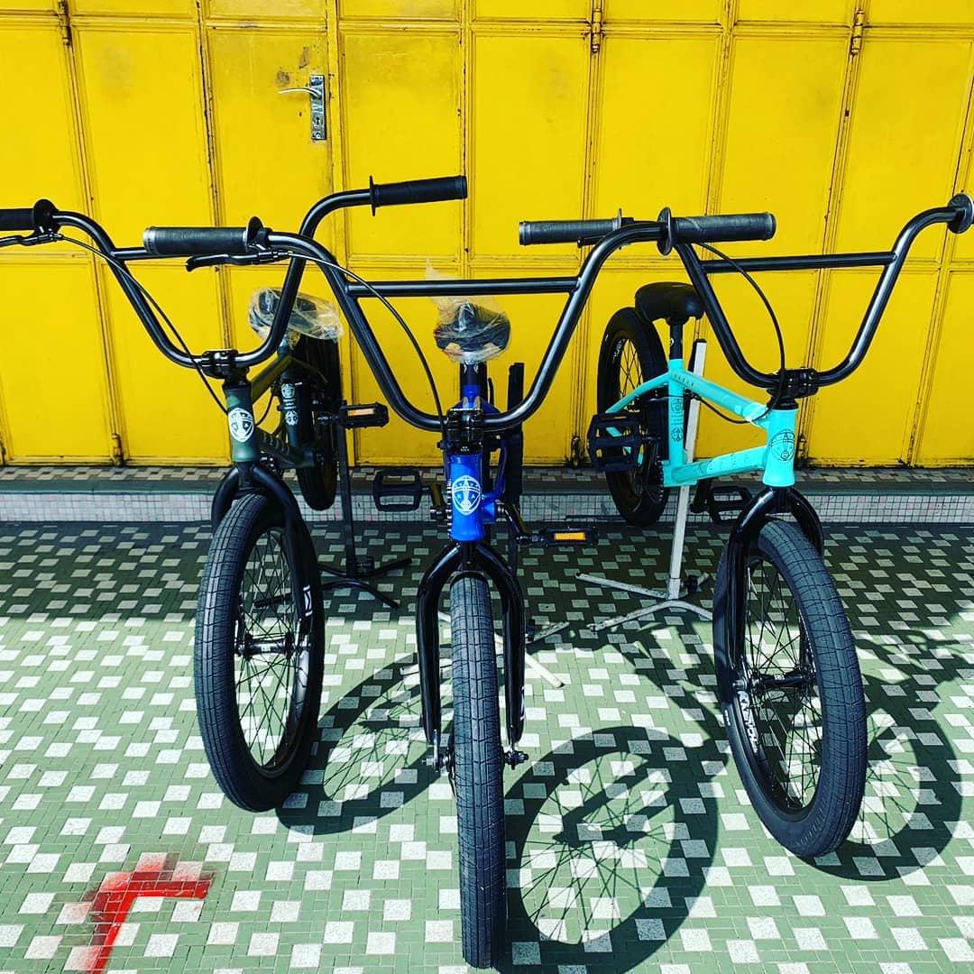 kench bmx dirt bikes