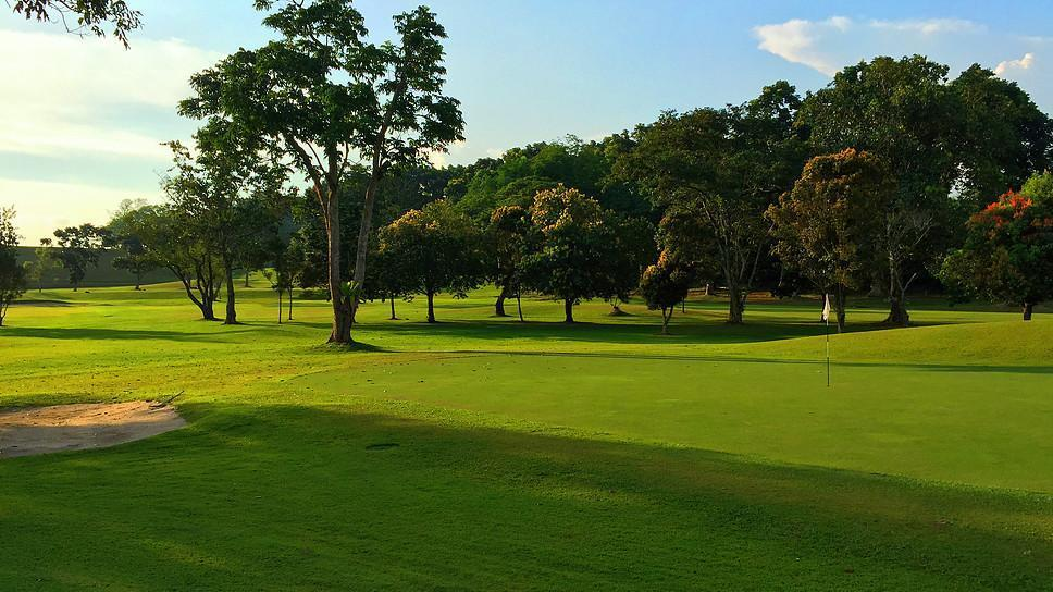 Places to golf - Mandai Executive Golf Course