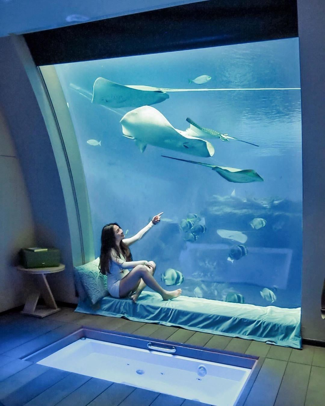 Underwater hotels near Singapore