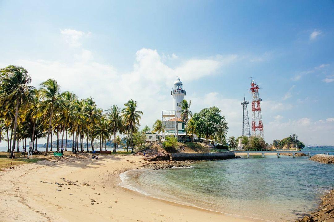 Pulau Satumu shore