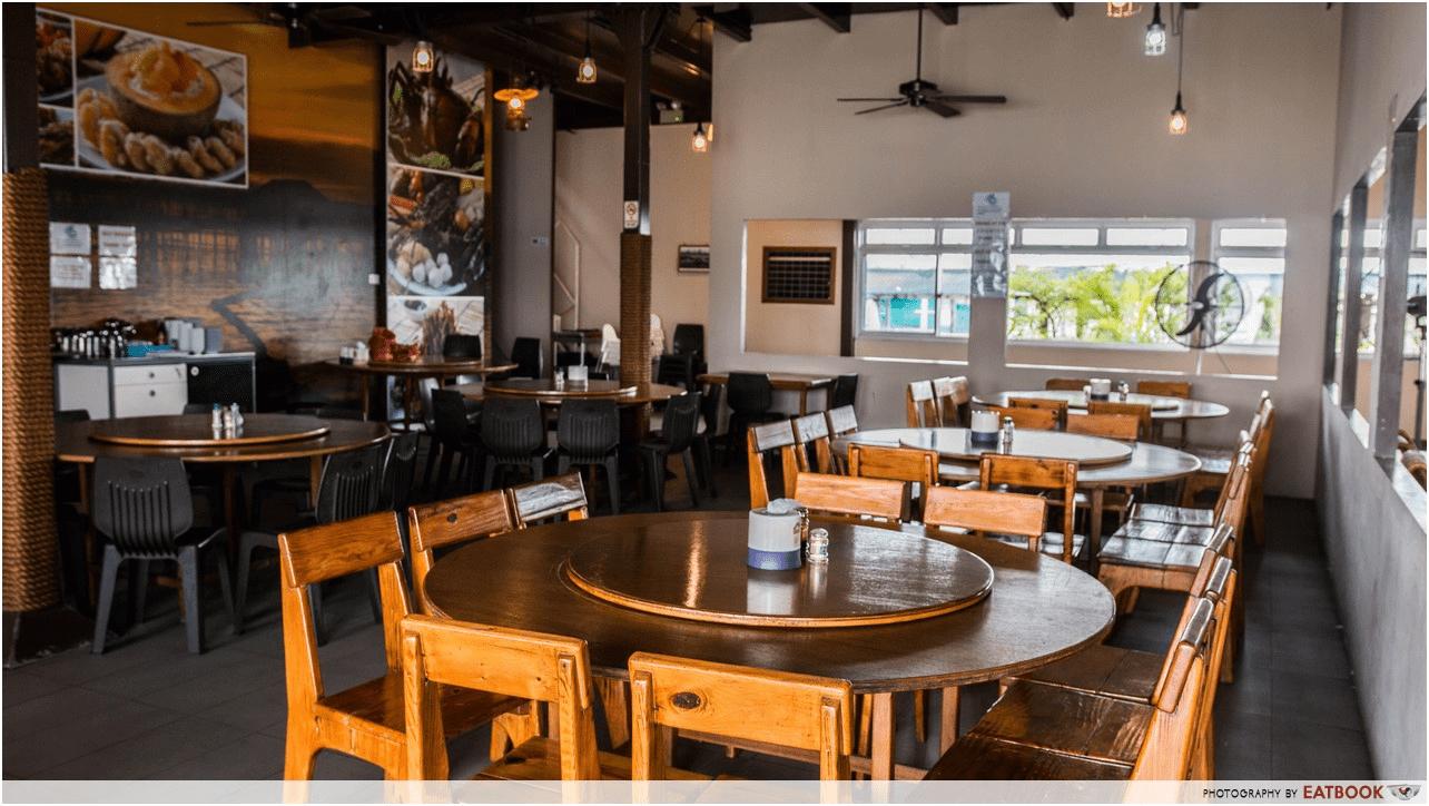 Smith Marine Floating Restaurant interior