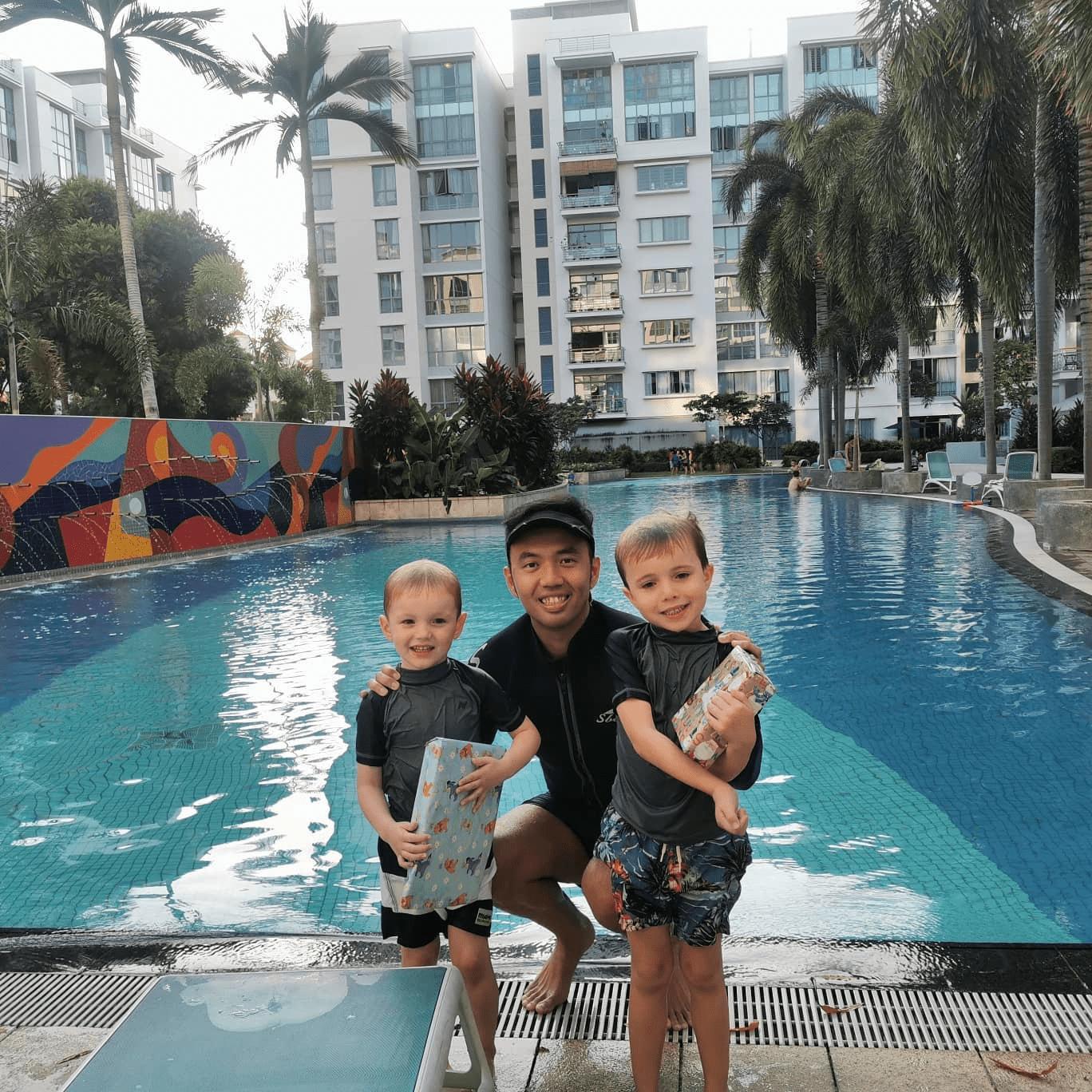 Swimming-Lessons-In-Singapore - swimray