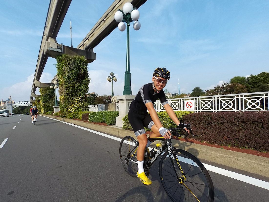 cycling routes singapore - entering sentosa