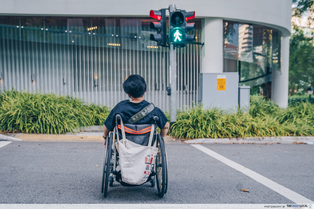 wheelchair use crossing road