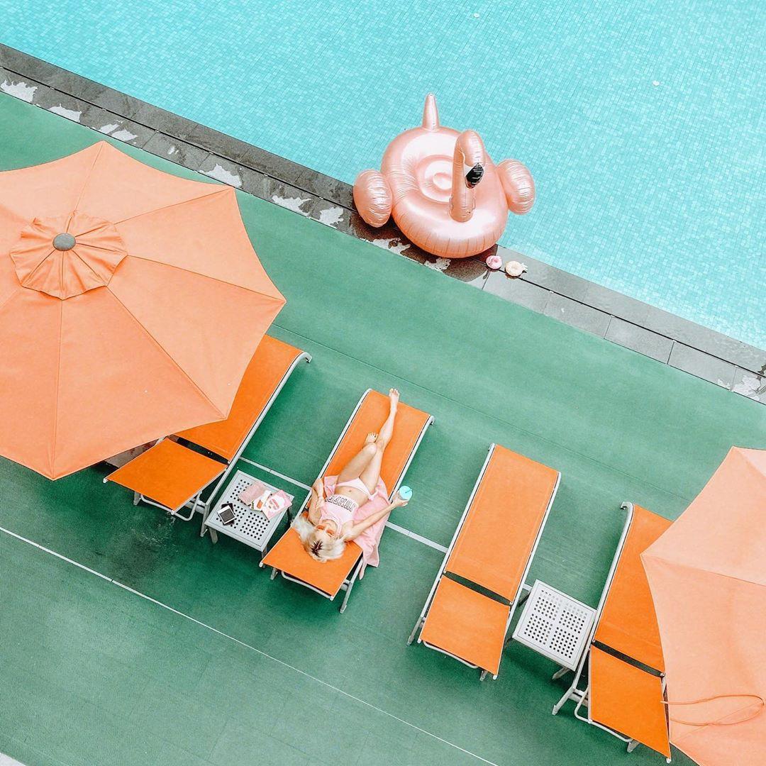 swimming pool at mandarin orchard