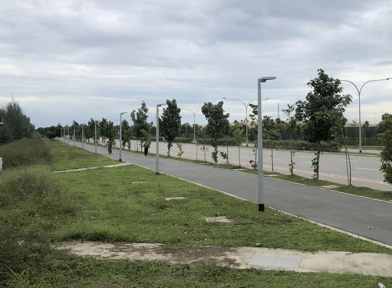 150km singapore walking trail - lamp post 333