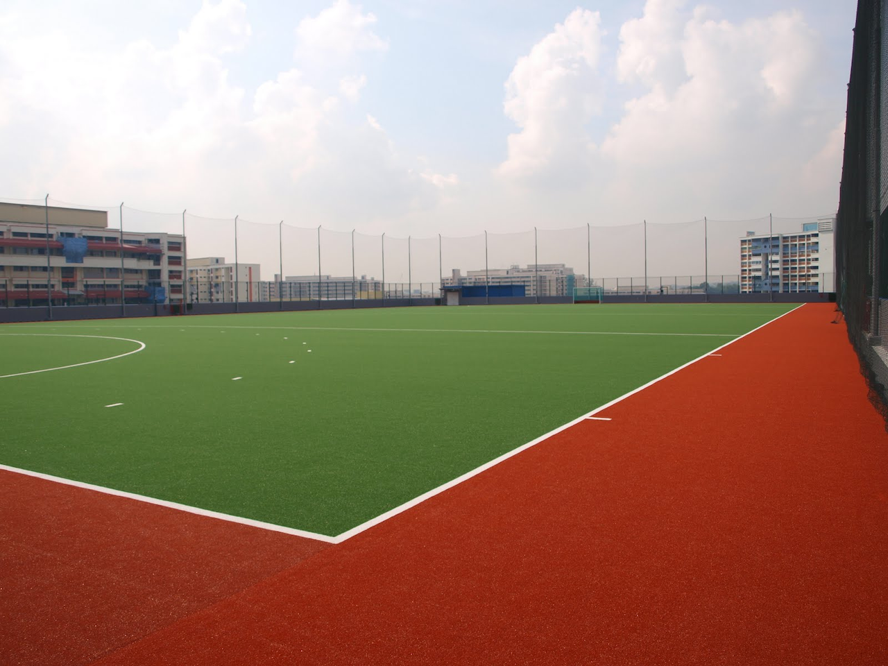 coolest schools in Singapore - St Hilda Primary School rooftop hockey pitch