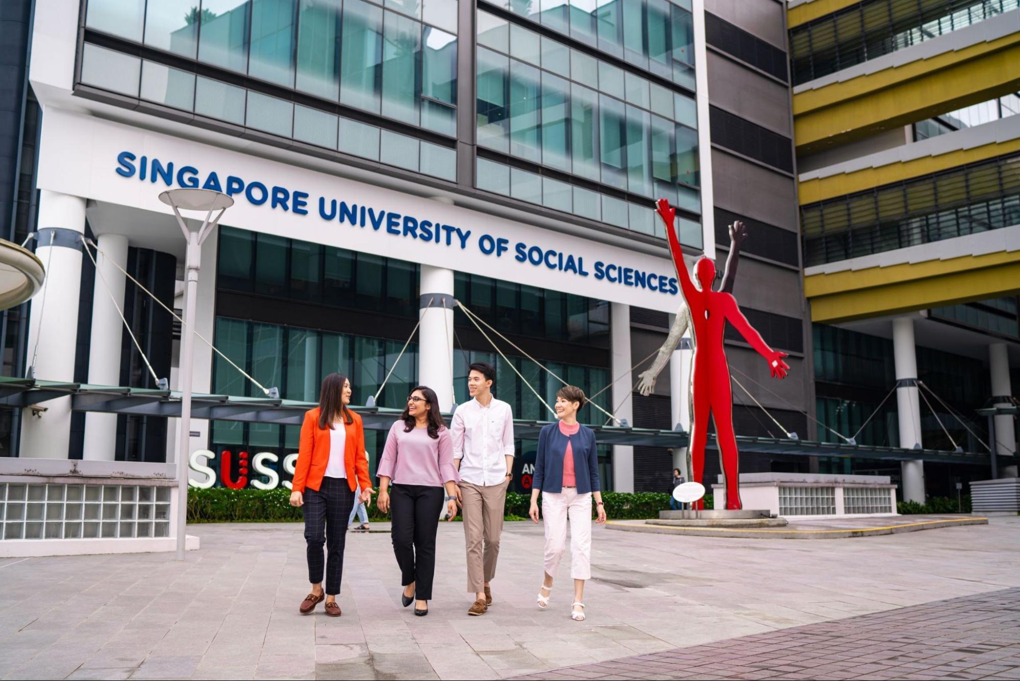 comparison of university courses - Singapore University of Social Sciences Bachelor of Laws