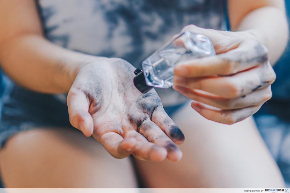 Hand sanitiser mistakes - sanitising dirty hands