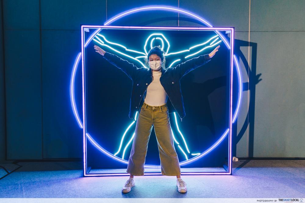 Da Vinci, The Exhibition - Neon Installation