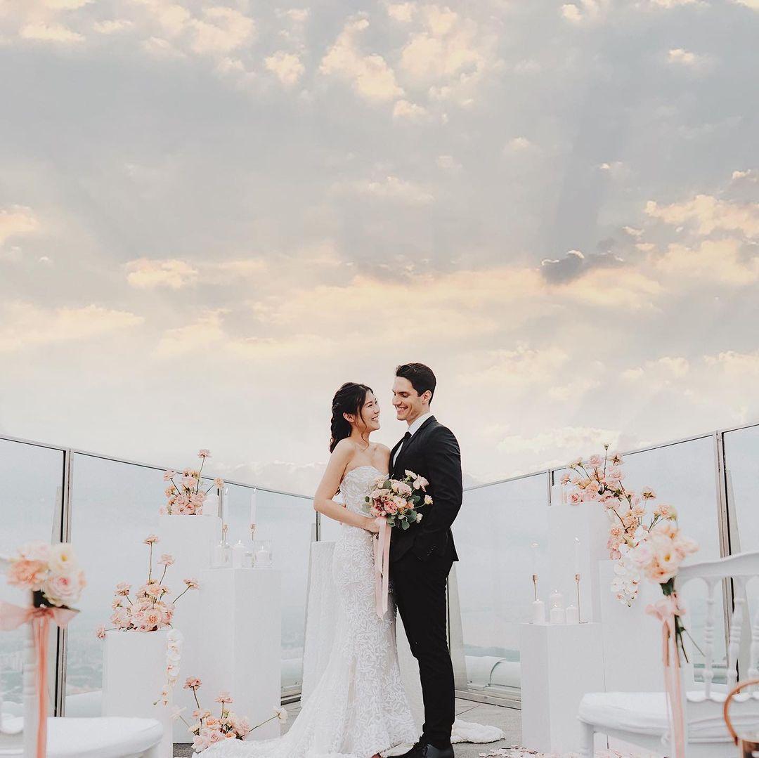 Romantic places in Singapore - 1-Altitude wedding photoshoot