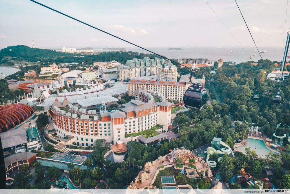 Romantic places in Singapore - Mount Faber cable car