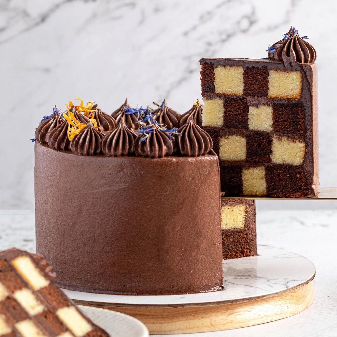 queen's gambit cake