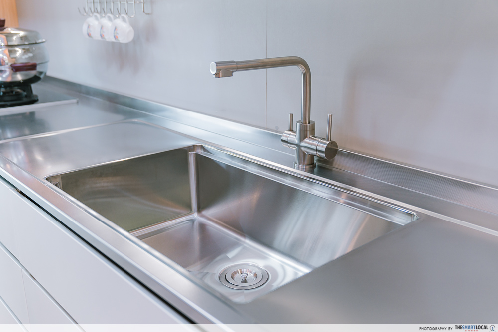 Song-Cho stainless steel sink