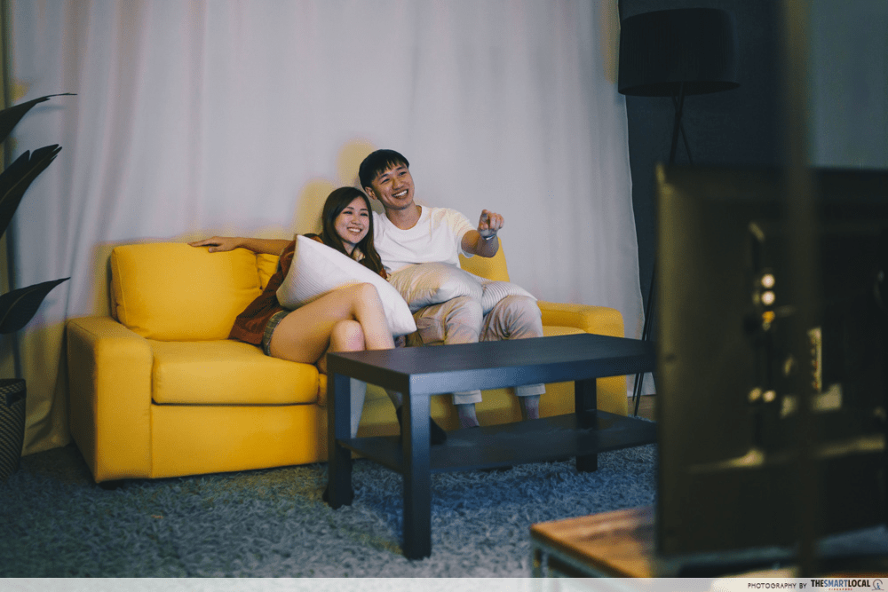 late night date ideas - Movie marathon with microwaved popcorn