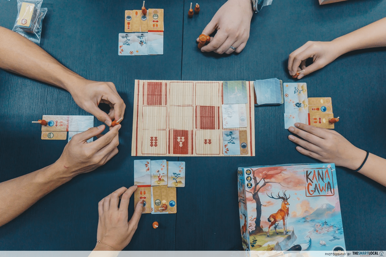 late night date ideas - Organise a game night