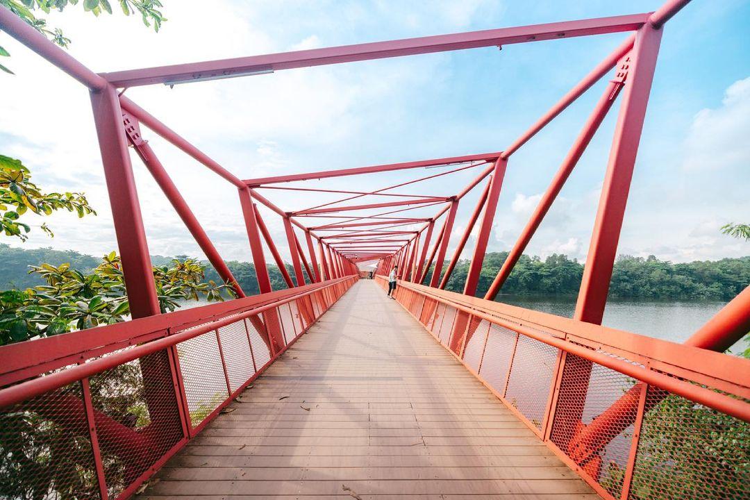 lorong halus wetland - red bridge