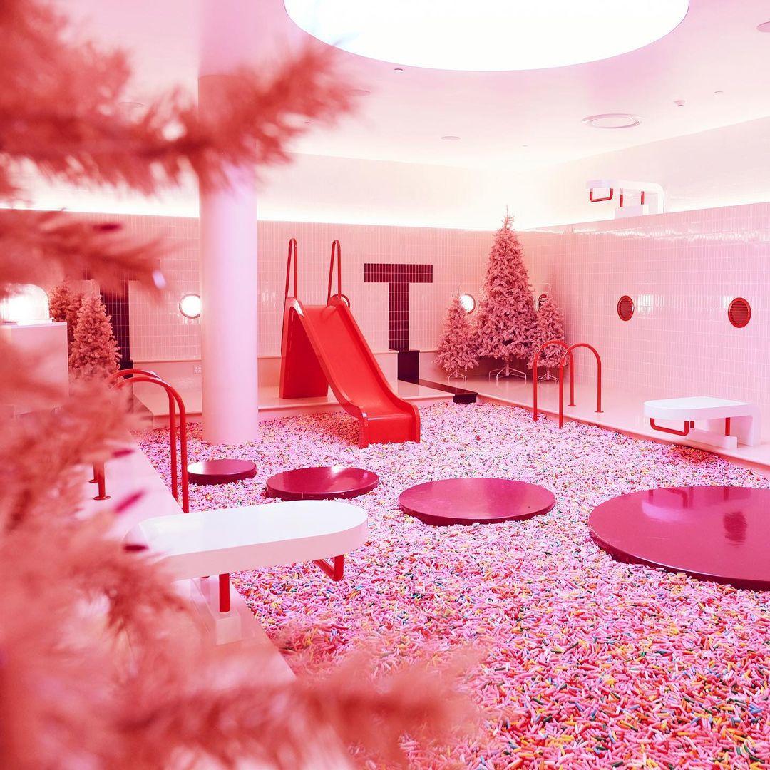 museum of ice cream scavenger hunt - pink sprinkle pool