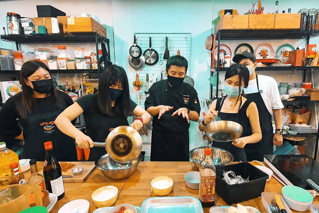 the clan hotel - cooking class