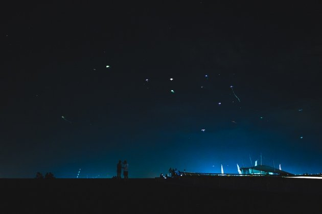 late night date ideas - Kite-flying under the stars