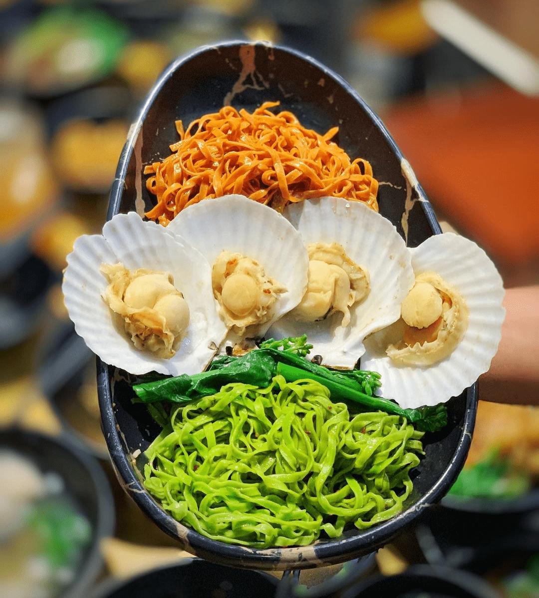 Wong Kee Wanton Noodle Yuan Yang Tomato Spinach