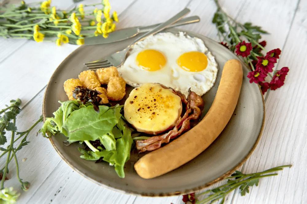 Arbora Hilltop Garden & Bistro Breakfast