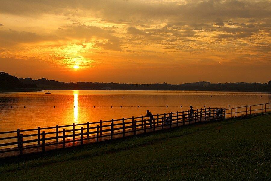 Picturesque sunset at Bedok Reservoir