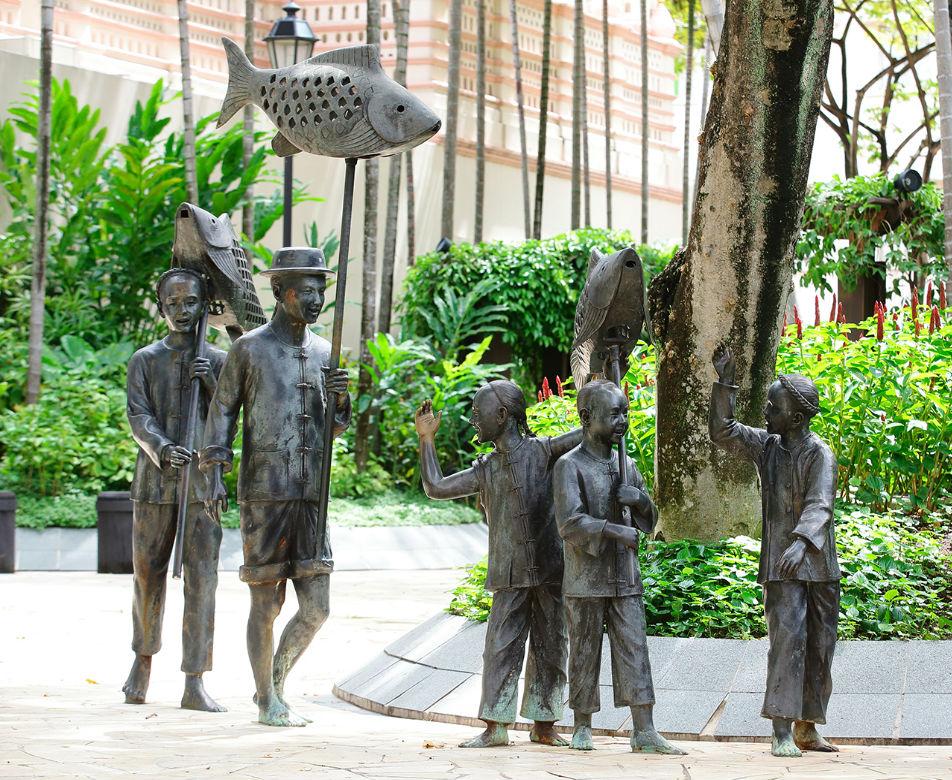 Unique sculptures in Singapore - Chinese Procession