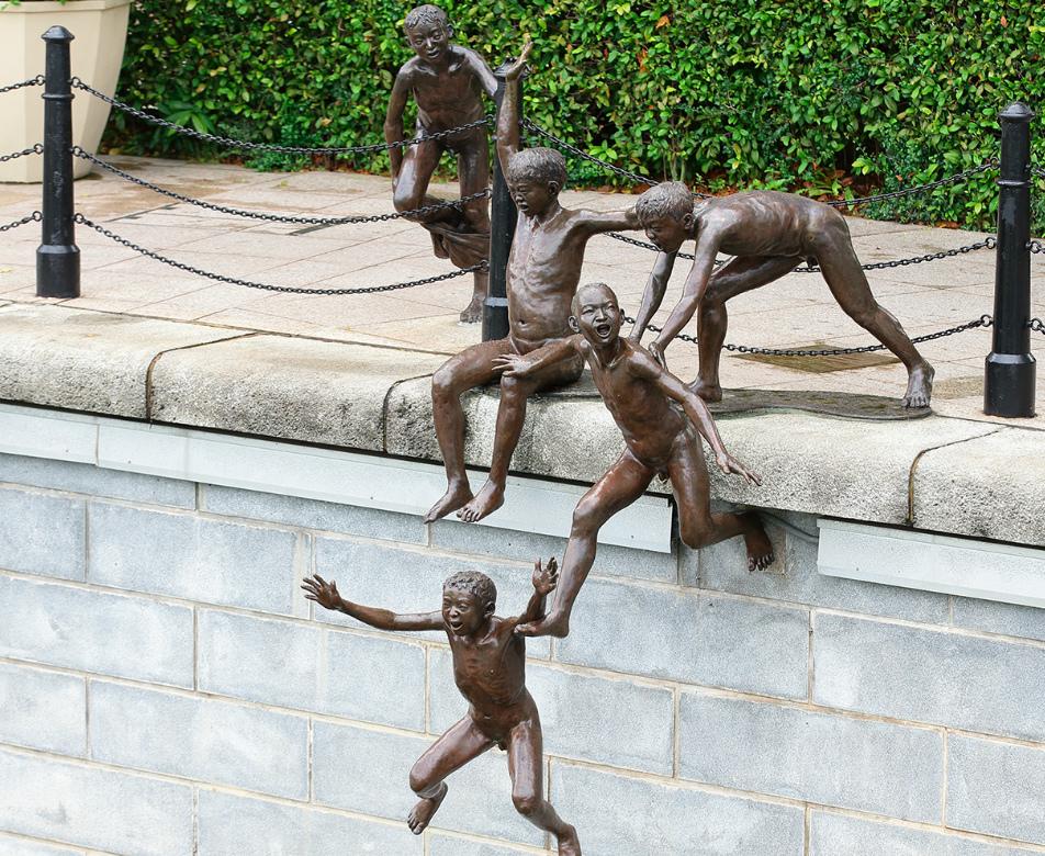 Unique sculptures in Singapore - First Generation